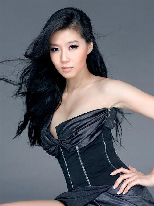 Tôn Oánh Oánh, một trong những cô gái bị nghi ngờ có quan hệ tình ái với Lý Tông Thụy.
