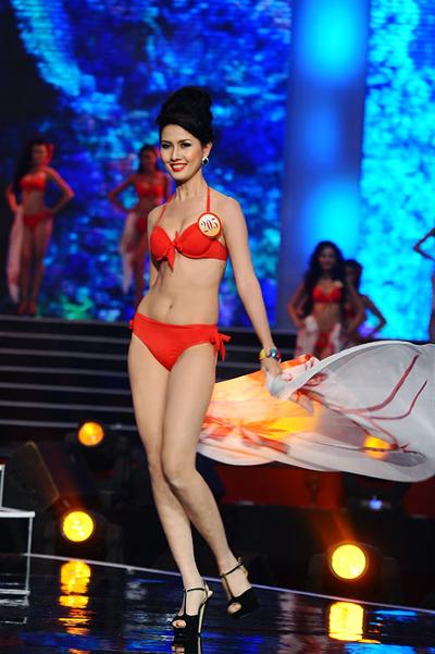 Phan Thị Mơ hài lòng với kết quả lọt vào top 5 và giải phụ Người có mái tóc đẹp nhất.