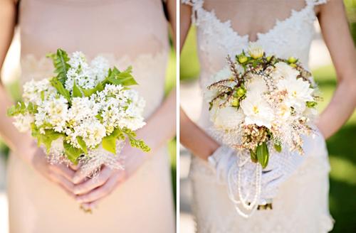 Hoa cưới vintage thường là kiểu hoa cắm ngẫu hứng, tự nhiên, thường được kết cùng dải hạt ngọc trai đáng yêu.