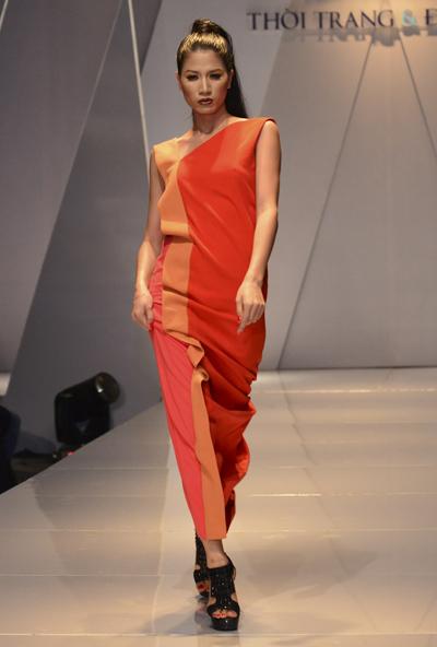Người mẫu Trang Trần...