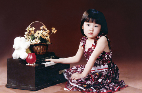 Cô công chúa của gia đình từ bé đã bụ bẫm và đáng yêu.