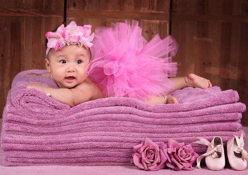 Bé Vũ Trà My, tên ở nhà của bé là Miu Miu. Bé sinh ngày 19/1/2012. Bộ ảnh này chụp lúc bé 5 tháng tuổi.