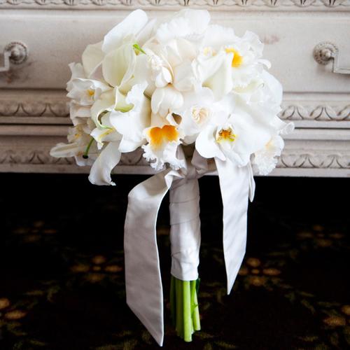 Có rất nhiều loại lan khác nhau, vì thế mà các cô dâu có thể lựa chọn nhiều kiểu dáng hoa mà mình thấy thích hợp nhất cho ngày cưới.
