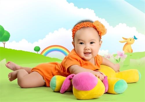 Từng giây phút con yêu cười đùa là từng khoảnh khắc tuyệt vời nhất của cuộc sống. Hình ảnh con gái Linh Kha 6 tháng tuổi.