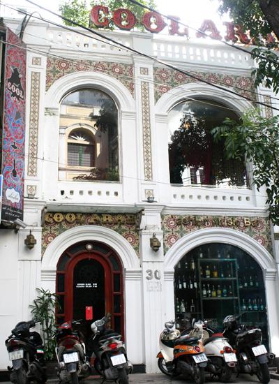 Chiêu trò kinh doanh này mới được thực hiện bởi hệ thống quán bar có tên Coolbar cafe tại 32 Nhà Chung và 30 Hàng (Hà Nôị).