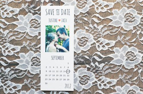 Thiệp cưới in hình trang lịch đáng yêu