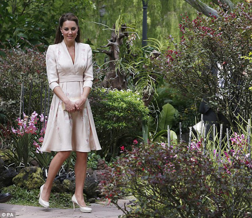 he Duchess of Cambridge explores the beautiful surroundings of the Botanical gardens