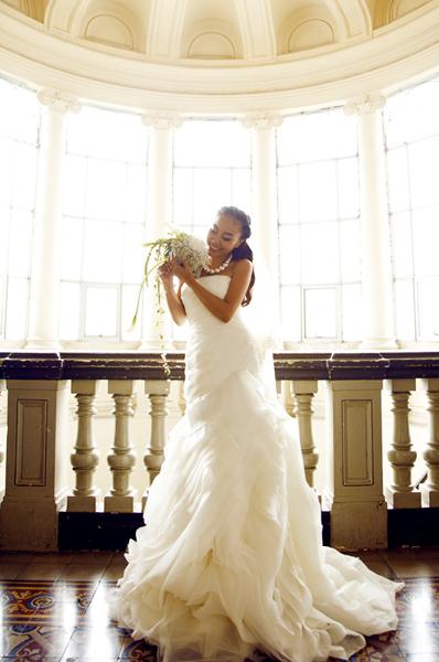 Đặc điểm của các mẫu váy Vera Wang là tôn dáng và chiều cao.