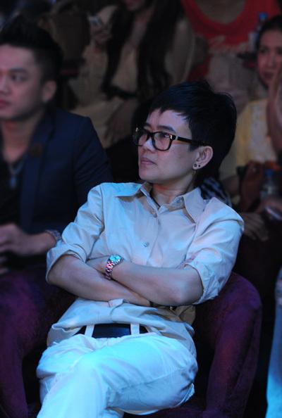 Sau scandal liên quan đến chương trình 'Giọng hát Việt', Phương Uyên chính thức rút khỏi vị trí giám đốc âm nhạc.