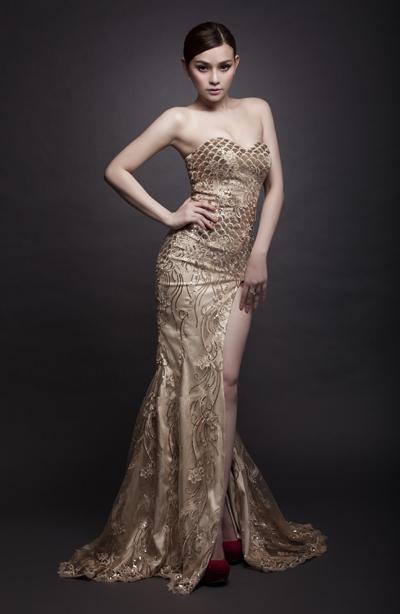 Cô đang tất bật chuẩn bị cho minishow diễn ra lúc 15h ngày 22/9 tại câu lạc bộ Nam Quang, TP HCM.