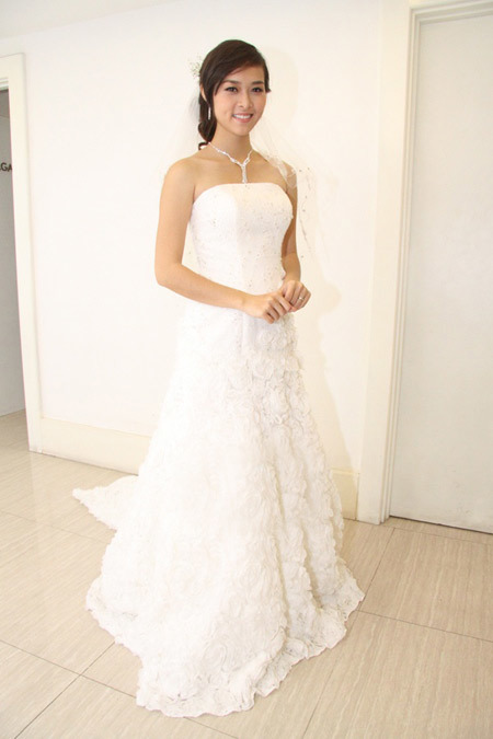 Toàn cảnh chiếc váy cưới của Diệp Bảo Ngọc.