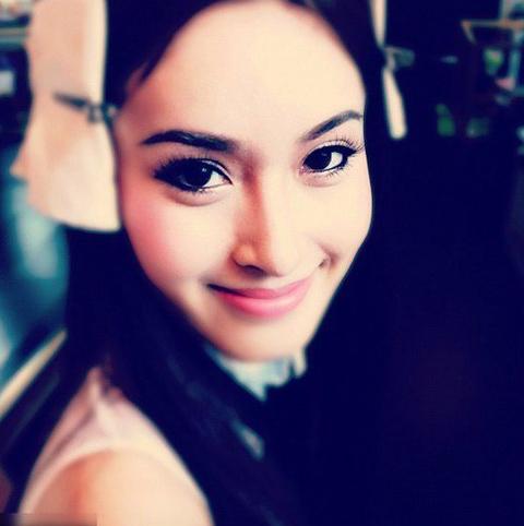 Cô hiện là người chuyển giới xinh đẹp nhất Thái Lan.