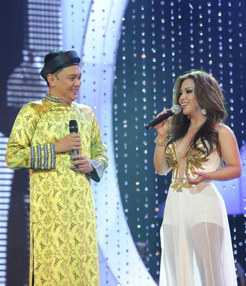 Trong phần giao lưu với NSƯT Hữu Châu, Minh Tuyết bật mí, cô và chị gái dự định làm liveshow chung vào năm 2013 để kỷ niệm 20 năm ca hát. Trước mắt, cô sẽ làm khách mời đặc biệt trong show diễn của nam ca sĩ Bằng Kiều trong tháng tới.