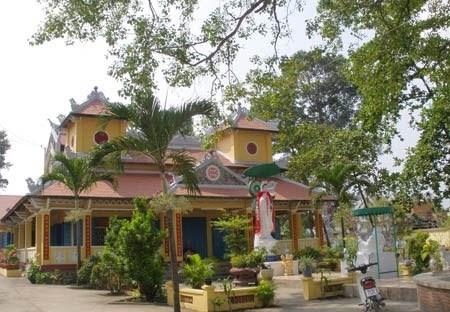 Chùa Đại Giác, còn gọi là Đại Giác cổ tự hay chùa Phật lớn (có tượng Di đà lớn), tọa lạc ở ấp nhị Hòa, xã Hiệp Hòa, thành phố Biên Hòa (Đồng Nai).