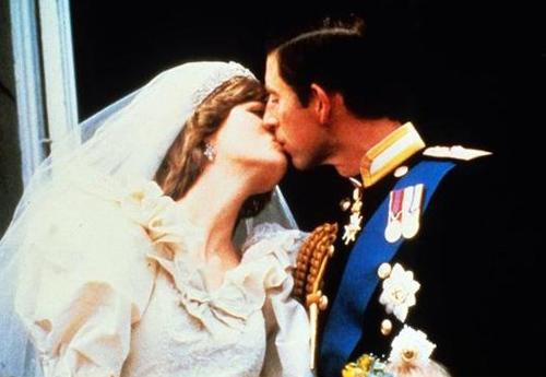 Thái tử Charles của nước Anh và Công nương xứ Wales Diana làm lễ cưới tại nhà thờ lớn Thánh Paul, London, ngày 29/7/1981.