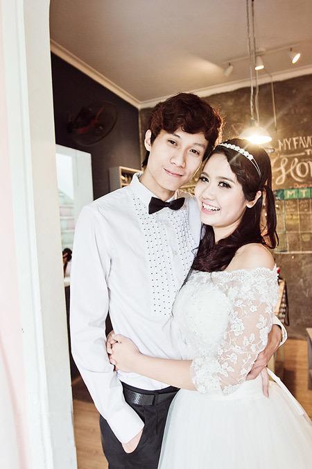 Huyền Lizzie và bạn trai thường xuyên đăng tải những bức ảnh thân mật lên trên Facebook nhưng cả hai chưa có kế hoạch chính thức về đám cưới.