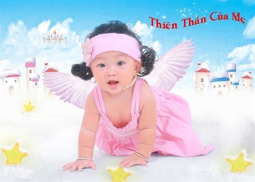 Bé SuSu tên thật là Trần Nguyễn Gia Hân. Bé SuSu 8 tháng tuổi, bé sinh ngày 15/1/2012, tại TP Cần Thơ.