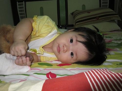 Con là Susu, chào đời ngày 19/11/2011, chỉ còn 1 ngày nữa là tới ngày Nhà giáo Việt Nam nhưng con ham vui không chờ được nên chui ra trước 1 ngày.