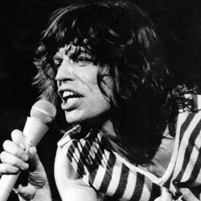 Mick Jagger tuổi Quý Mùi (1943), ca sỹ chính của nhóm Rolling Stones