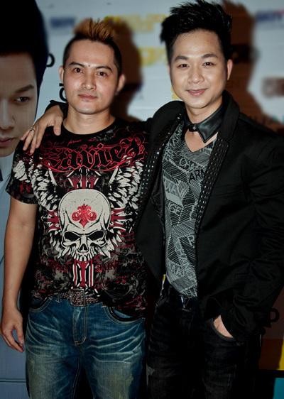 Ca sĩ Phong Đạt cũng có mặt. 10 năm trước, anh và Quách Tuấn Du cùng là thành viên của nhóm nhạc D&D khá nổi tiếng.