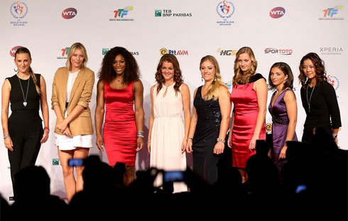 Victoria Azarenka, Maria Sharapova, Serena Williams, Agnieszka Radwanska, Angelique Kerber, Petra Kvitova, Sara Errani and Na Li pose for photographers during the draw ceremony for the TEB BNP Paribas WTA Championships held at the Ciragan Palace on October 21, 2012 in Istanbul, Turkey