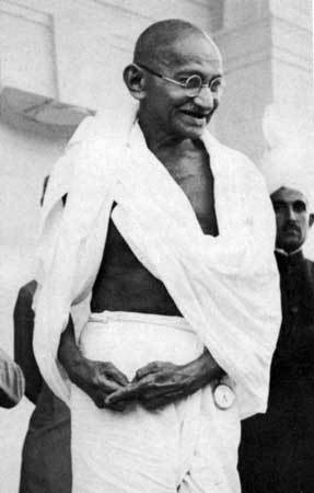 Mahatma Gandhi tuổi Kỷ Tỵ (1869)