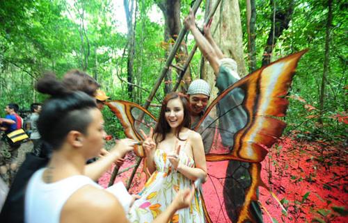 MV 'Hương rừng' của Vy Oanh chính thức ra mắt khán giả vào 1/11 tới.