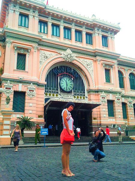 TP Hồ Chí Minh sầm uất, nhộn nhịp nhưng vẫn có những góc kiến trúc cổ thật đẹp.