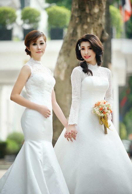 Tóc tết hoặc thả tự nhiên rất phù hợp khi cô dâu mặc váy ren.