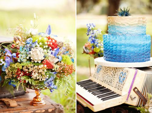 Bánh cưới mang tông màu đổ xanh ấn tượng.