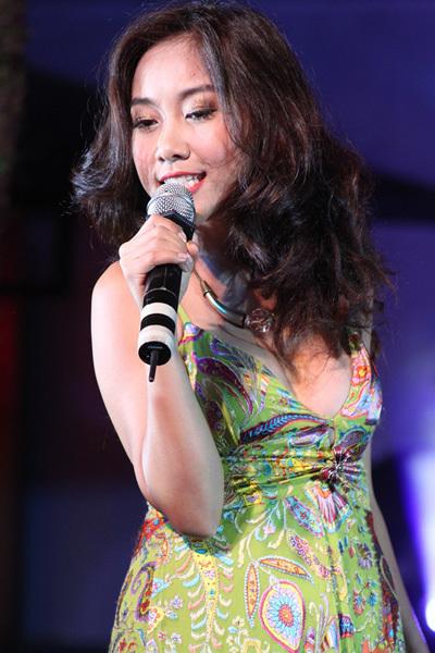 Ca sĩ Đoan Trang.