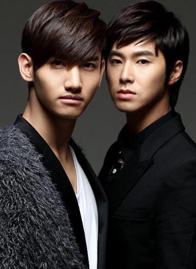 Nhóm nhạc nổi tiếng DBSK với 2 thành viên Chang Min và Yunho khiến fan vui mừng khi đến Việt Nam trình diễn lần này.