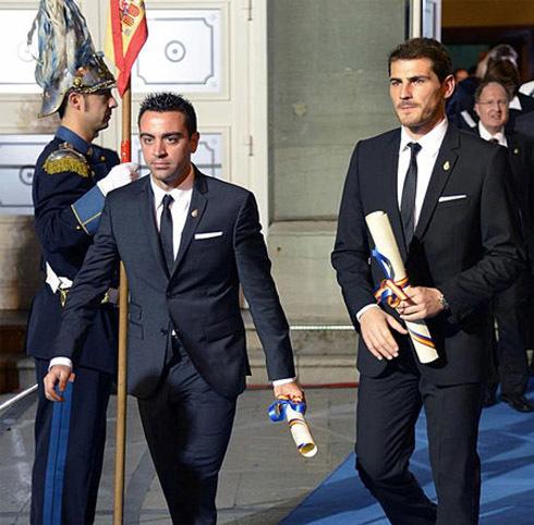 Hai ngôi sao tuyển Tây Ban Nha
