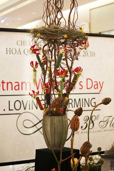 Một mẫu thiết kế hoa đương đại tại triển lãm