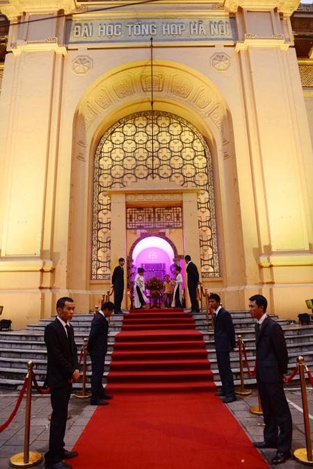 Cận cảnh đám cưới cầu kỳ của Đỗ Hải Yến
