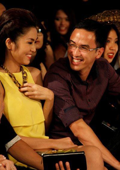 Tối 26/5/2011, cả hai vui vẻ cười đùa tại show thời trang 'Ký ức mùa hè' tại một khách sạn lớn ở Sài Gòn.