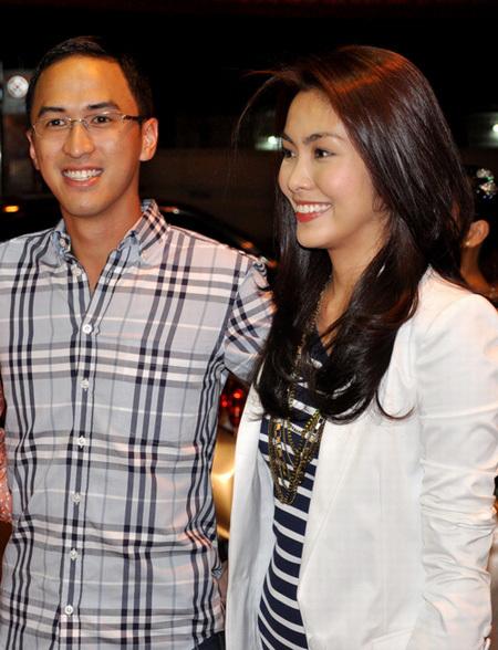 Ngày 27/10/2011, Hà Tăng làm nhiều người bất ngờ khi