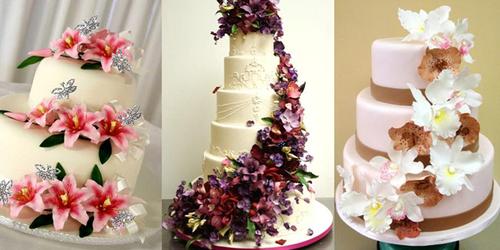 5. Bánh cưới hoa: Những chiếc bánh được trang trí bằng hoa tươi chưa bao giờ lỗi mốt vì nó toát lên vẻ đẹp mềm mại, dịu dàng.