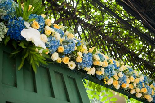Đem sắc xanh biển vào đám cưới cá tính