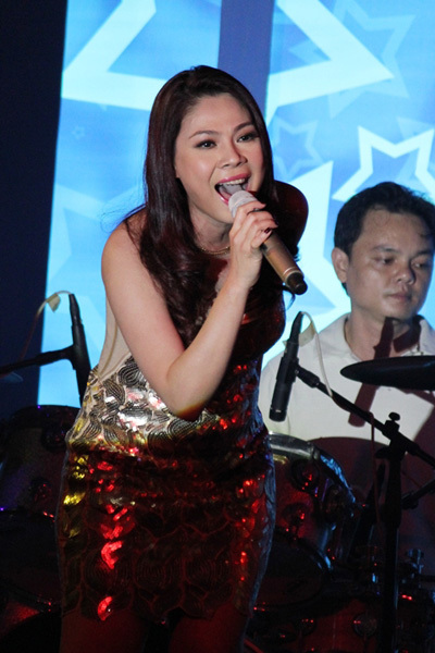 Chương trình còn có sự tham gia của ca sĩ Thanh Thảo.