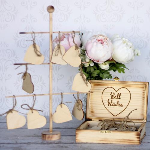 Bạn cũng có thể dùng những tấm gỗ nhỏ để dùng thay card giấy.