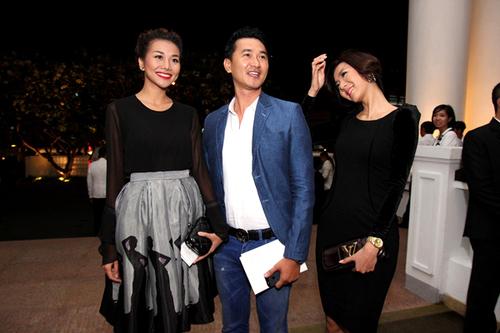 8. Nữ người mẫu hội ngộ tú bà Thanh Hằng và diễn viên Quốc Cường.