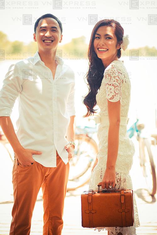 Tăng Thanh Hà duyên dáng với váy ren mullet.