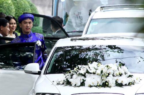 Chú rể Louis Nguyễn chuẩn bị tới nhà gái để làm lễ rước dâu.