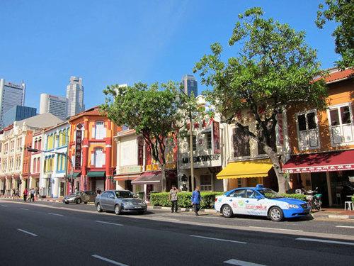 Khu China Town với các cửa hàng quán ăn của người Trung Quốc trên đất Singapore.
