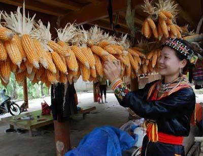 Phụ nữ Dao đỏ trong trang phục truyền thống.