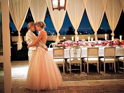 Giây phút cùng nhau mơ về một cuộc sống đôi lứa lãng mạn.