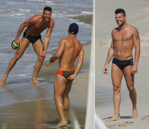 Nụ cười rạng rỡ của Ricky Martin khi được ngắm nhìn bạn tình đồng giới. Với Ricky Martin, Carlos Gonzales gợi cảm hơn bất kỳ một cô nàng nóng bỏng nào.