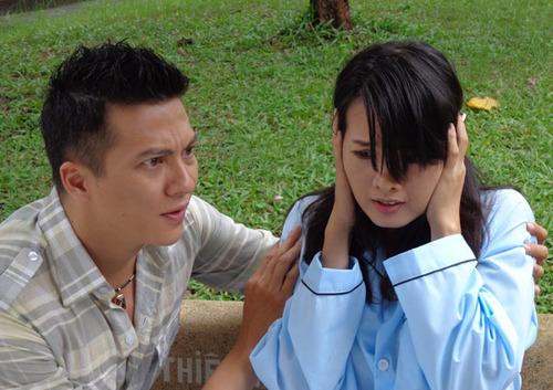 Sau đó Phương Thúy có thai mà không chịu phá nên Nguyên Khang tạo tai nạn làm cô hư thai và sau đó phát điên. Nguyên Khang đưa Phương Thúy vào nhà thương điên và bỏ mặc cô.