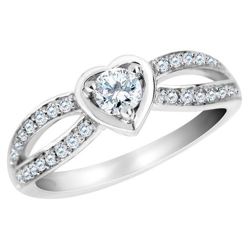 Nhẫn đính hôn hình trái tim lãng mạn
